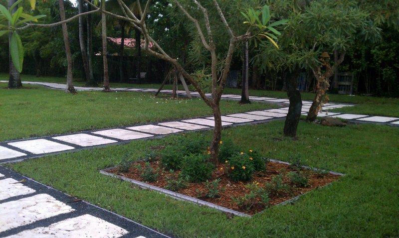 Uye home landscape designers for Landscape design miami